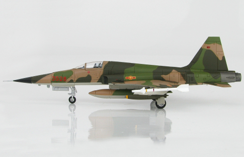 Hobby Master HA3327 Northrop F-5E Tiger II, 935th Fighter Rgt, Bien Hao AB, 1975
