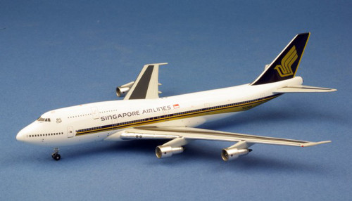 Apollo 400 Boeing 747-300 Singapore Airlines N122KH