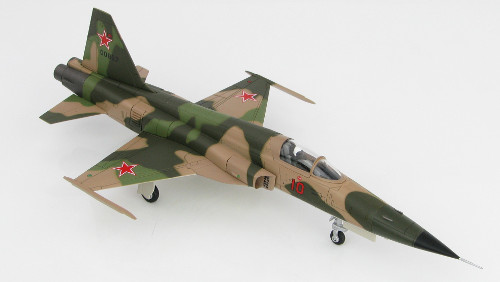 Hobby Master HA3328 Northrop F-5E Tiger II, ex-VNAF transferred to Soviet Union, Red 10, 1975